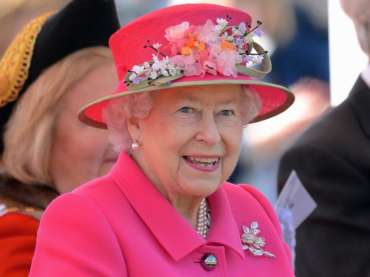 an analysis of the topic of the queen elizabeth and her explorers Home blog queen elizabeth essay queen elizabeth essay october 20th, 2009 queen elizabeth was the daughter of henry viii and his queen.