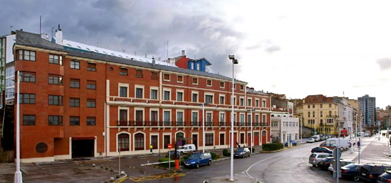 Здание под отель в Gijon