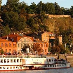 Крепость Вышеград. По реке на обед в пивовар Старопрамен