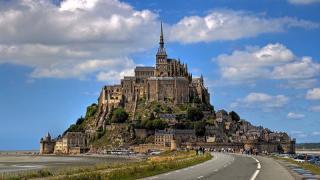 Путешествие из Парижа в аббатство Мон-Сен-Мишель на велосипеде