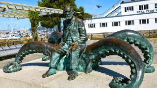 Галисия. Памятник Жюль Верну в Виго