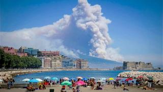 """В Италии снова """"проснулся"""" вулкан Везувий?"""