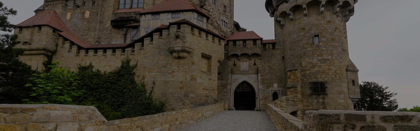 Автомобильная экскурсия в замок Кройценштайн